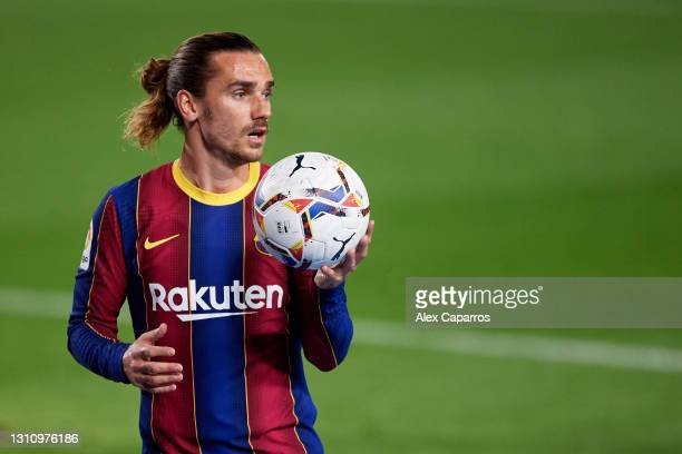 Antoine Griezmann of FC Barcelona gathers the ball during the La Liga Santander match between FC Barcelona and Real Valladolid CF at Camp Nou on...