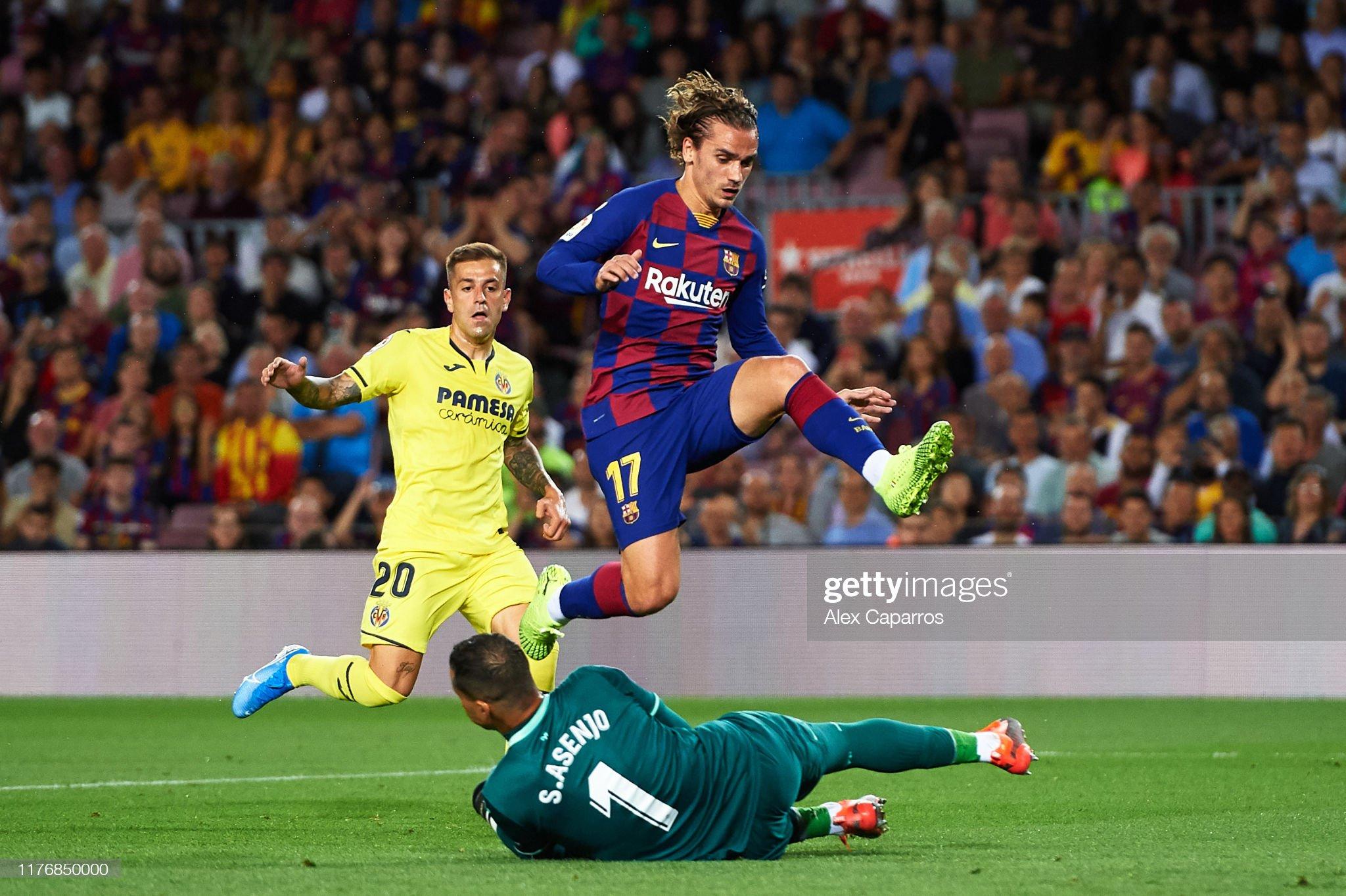 صور مباراة : برشلونة - فياريال 2-1 ( 24-09-2019 )  Antoine-griezmann-of-fc-barcelona-jumps-over-sergio-asenjo-of-cf-picture-id1176850000?s=2048x2048
