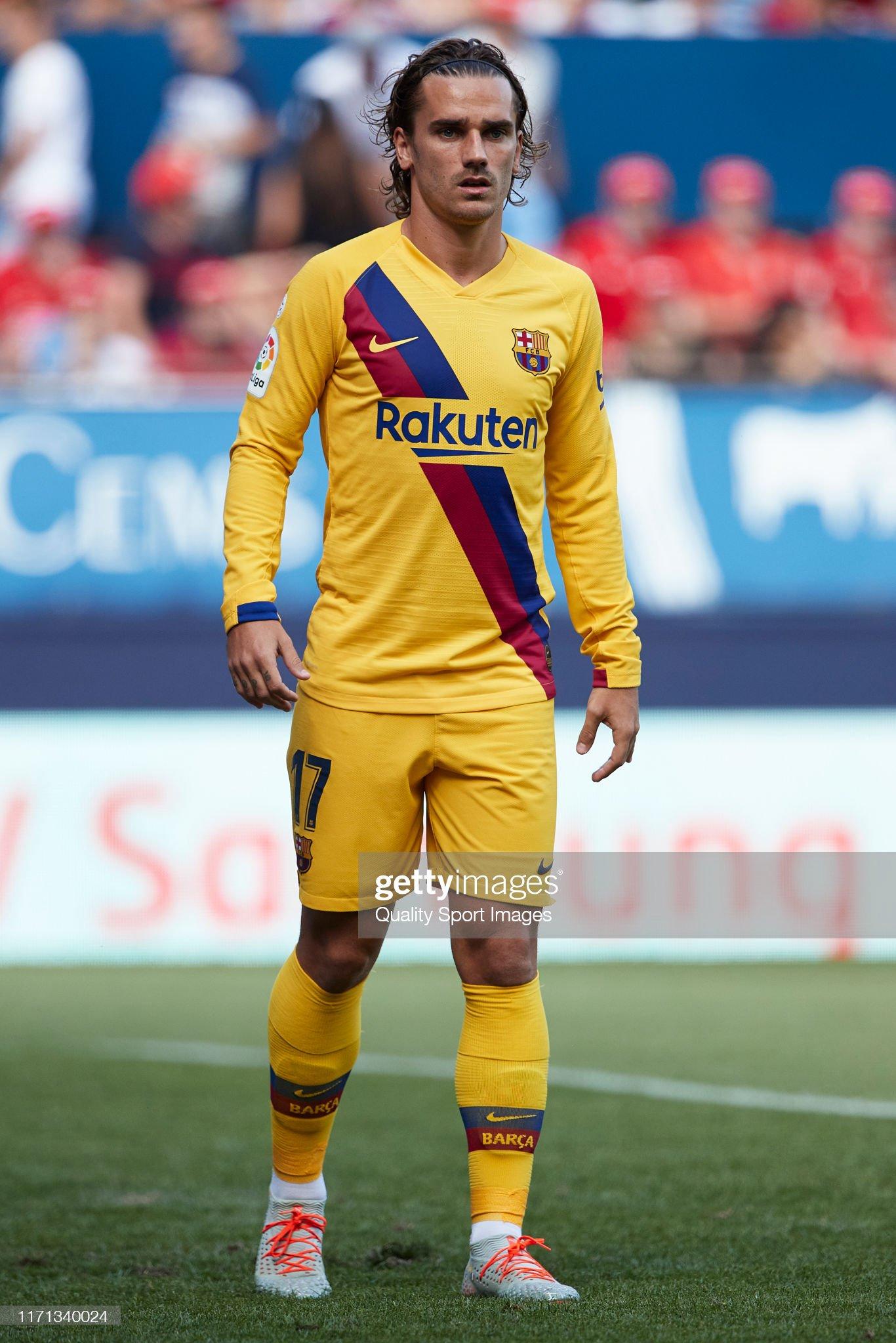 صور مباراة : أوساسونا - برشلونة 2-2 ( 31-08-2019 )  Antoine-griezmann-of-fc-barcelona-looks-on-during-the-liga-match-ca-picture-id1171340024?s=2048x2048