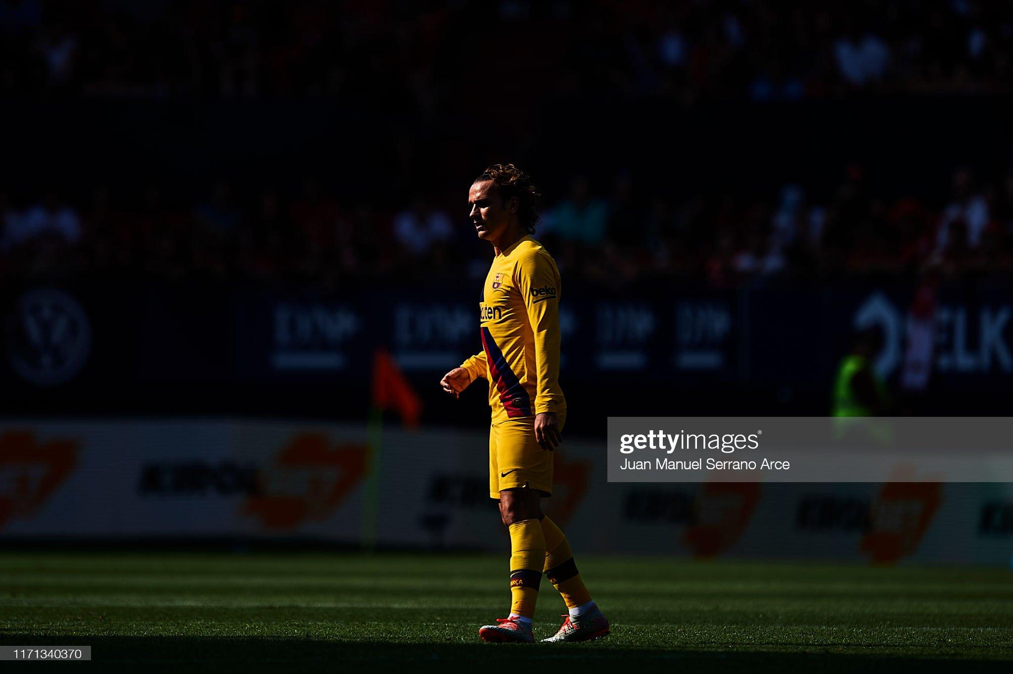 صور مباراة : أوساسونا - برشلونة 2-2 ( 31-08-2019 )  Antoine-griezmann-of-fc-barcelona-looks-on-during-the-liga-match-ca-picture-id1171340370?s=2048x2048