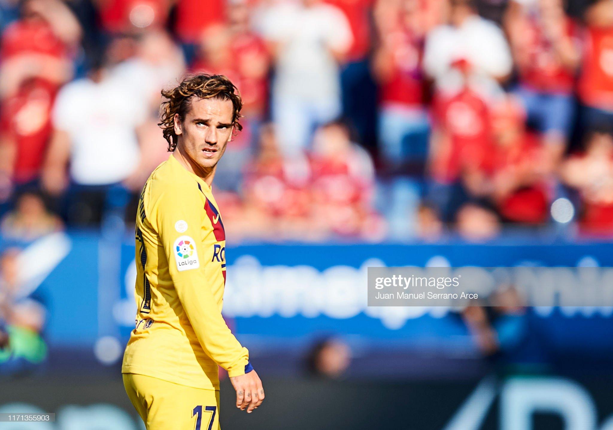 صور مباراة : أوساسونا - برشلونة 2-2 ( 31-08-2019 )  Antoine-griezmann-of-fc-barcelona-looks-on-during-the-liga-match-ca-picture-id1171355903?s=2048x2048
