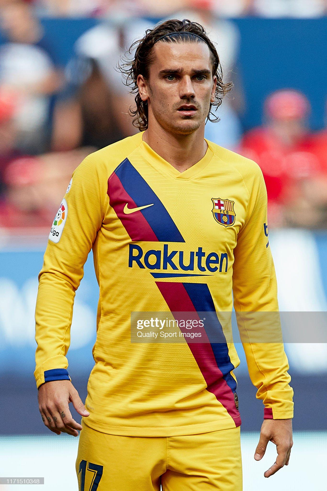 صور مباراة : أوساسونا - برشلونة 2-2 ( 31-08-2019 )  Antoine-griezmann-of-fc-barcelona-looks-on-during-the-liga-match-ca-picture-id1171510348?s=2048x2048