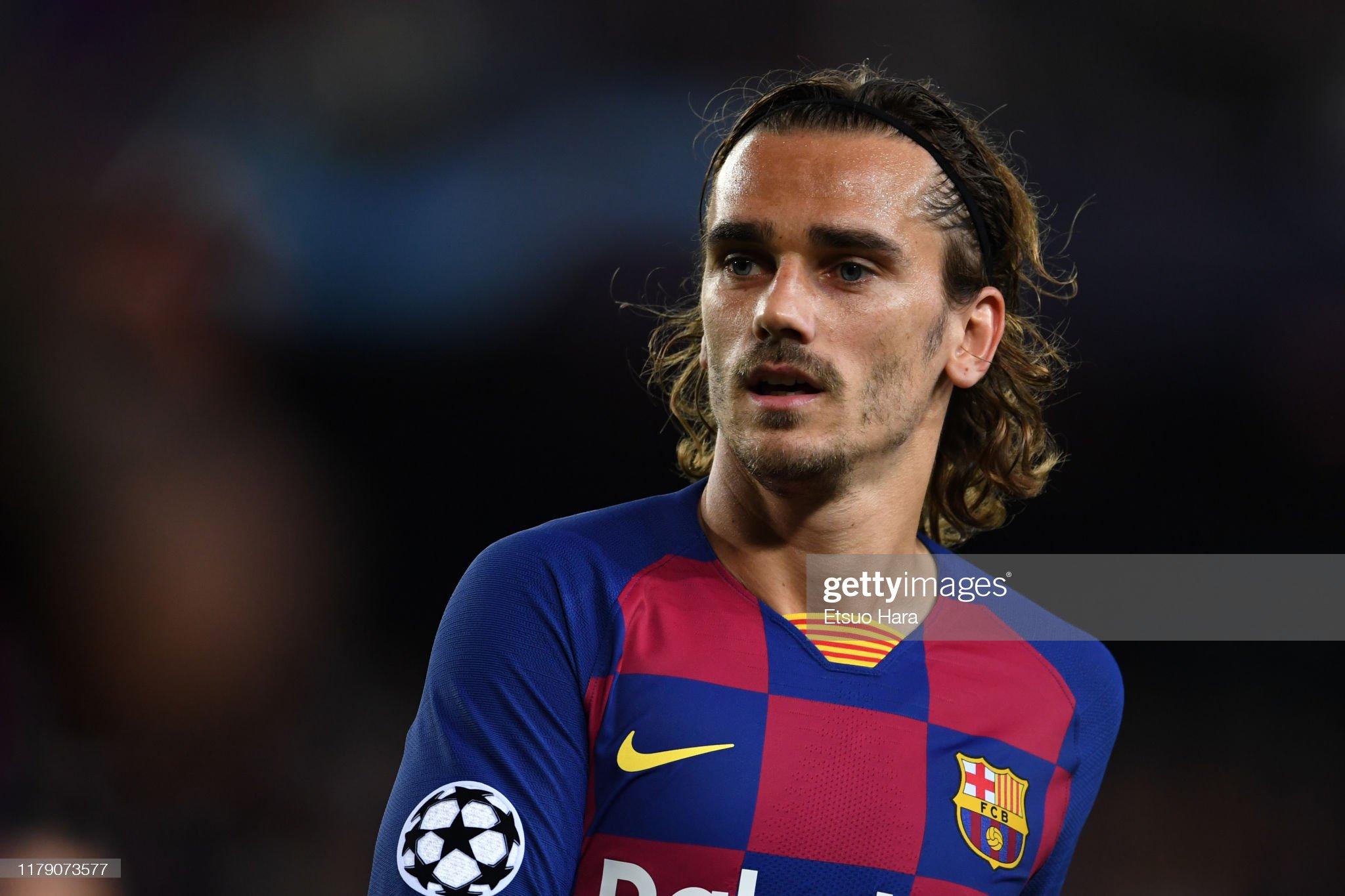 صور مباراة : برشلونة - إنتر 2-1 ( 02-10-2019 )  Antoine-griezmann-of-fc-barcelona-looks-on-during-the-uefa-champions-picture-id1179073577?s=2048x2048