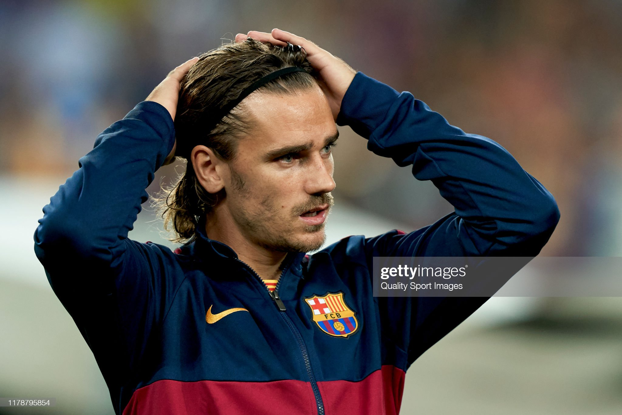 صور مباراة : برشلونة - إنتر 2-1 ( 02-10-2019 )  Antoine-griezmann-of-fc-barcelona-looks-on-prior-to-the-uefa-league-picture-id1178795854?s=2048x2048
