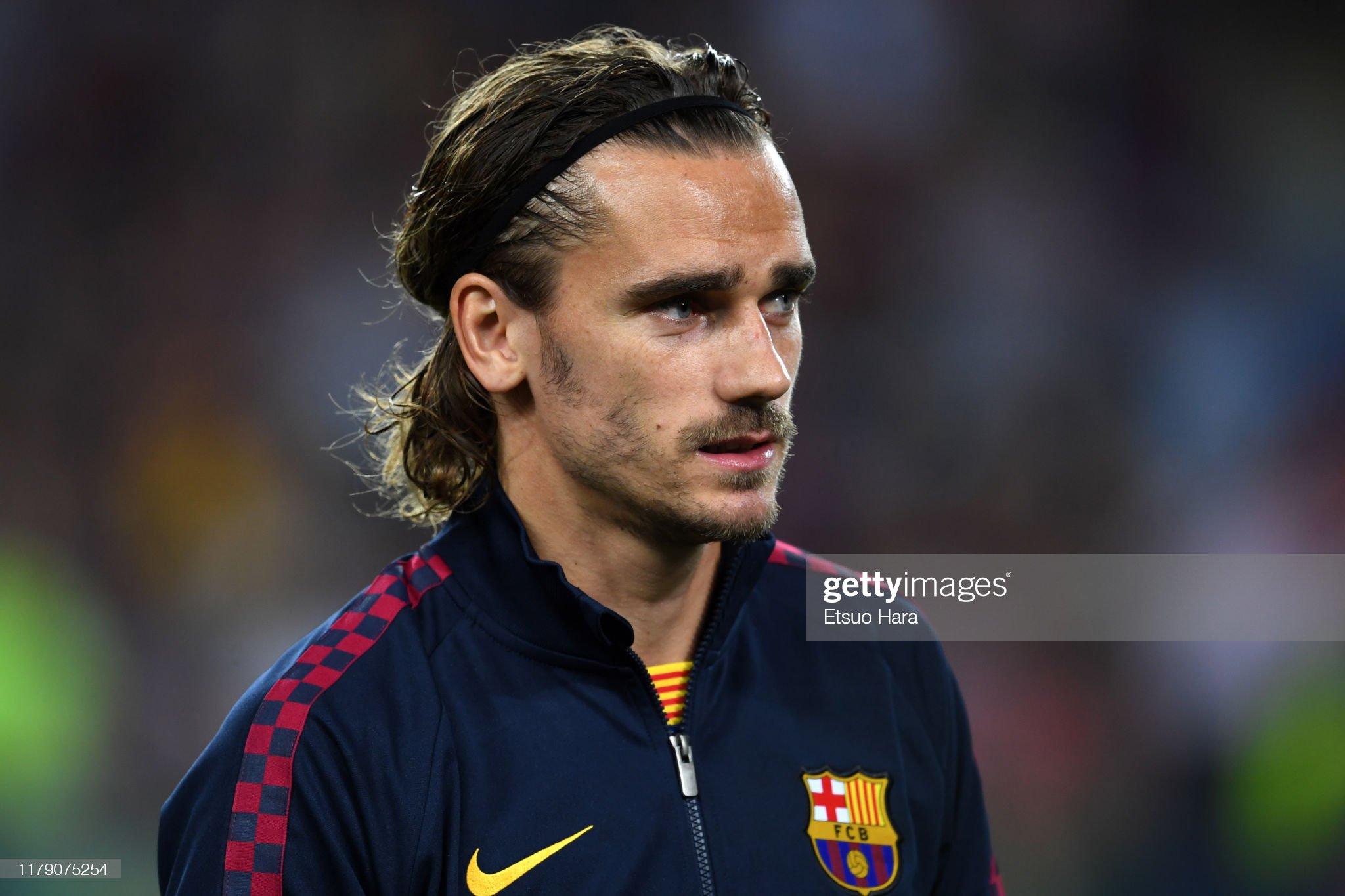 صور مباراة : برشلونة - إنتر 2-1 ( 02-10-2019 )  Antoine-griezmann-of-fc-barcelona-looks-on-prior-to-the-uefa-league-picture-id1179075254?s=2048x2048