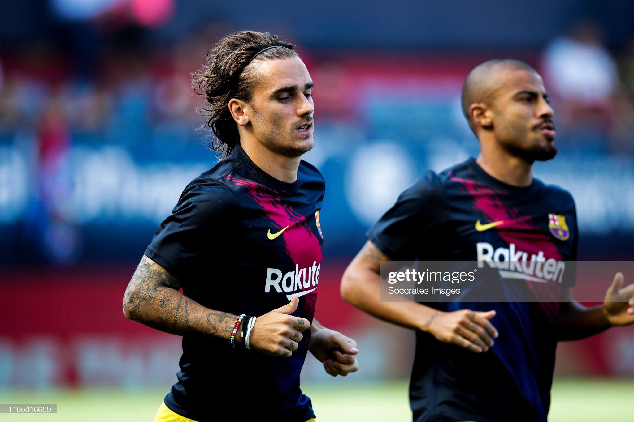 صور مباراة : أوساسونا - برشلونة 2-2 ( 31-08-2019 )  Antoine-griezmann-of-fc-barcelona-rafinha-of-fc-barcelona-during-the-picture-id1165316659?s=2048x2048