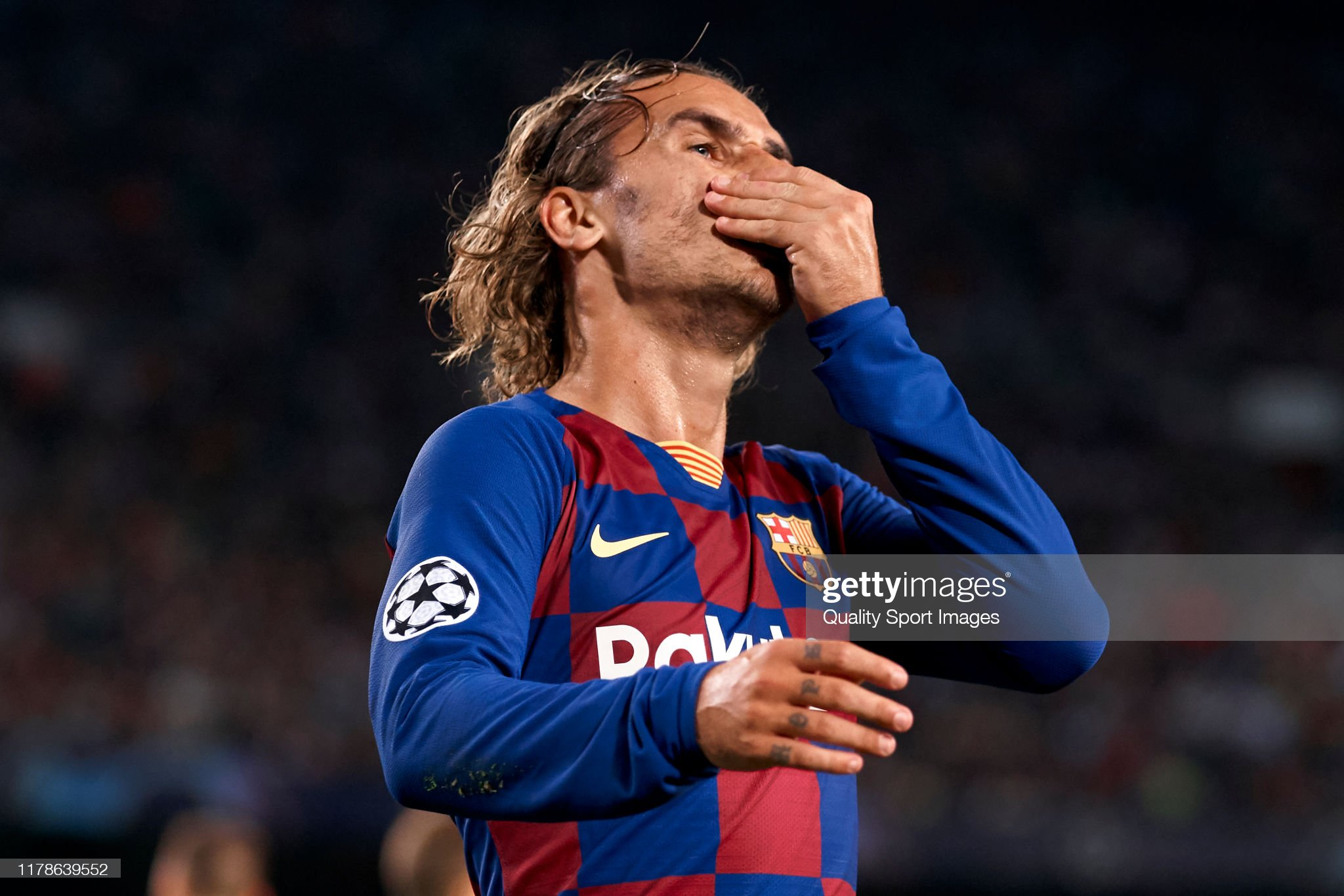 صور مباراة : برشلونة - إنتر 2-1 ( 02-10-2019 )  Antoine-griezmann-of-fc-barcelona-reacts-during-the-uefa-champions-picture-id1178639552?s=2048x2048