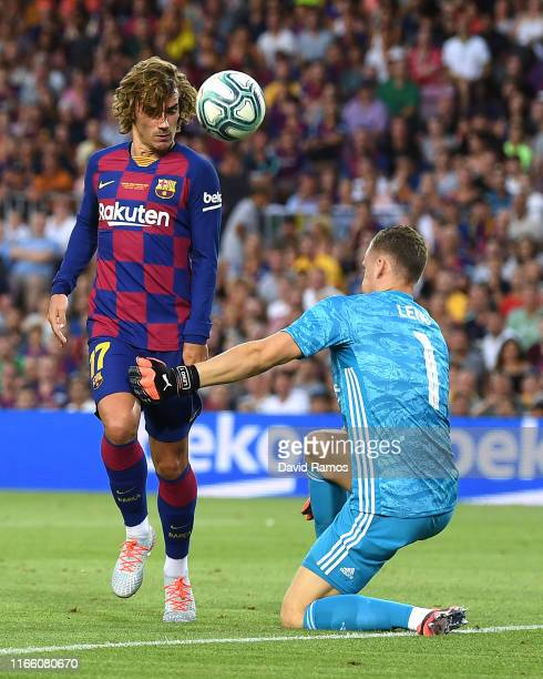 Antoine Griezmann of FC Barcelona scores a disallowed goal past Bernd Leno of Arsenal during the Joan Gamper trophy friendly match between FC...