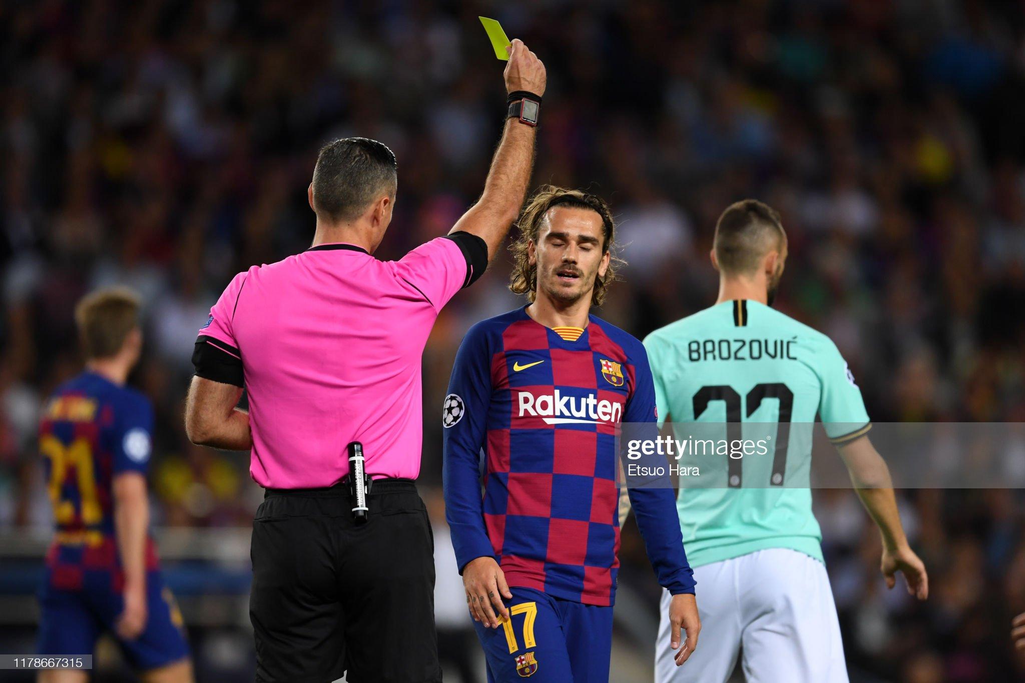 صور مباراة : برشلونة - إنتر 2-1 ( 02-10-2019 )  Antoine-griezmann-of-fc-barcelona-sees-an-yellow-card-during-the-uefa-picture-id1178667315?s=2048x2048