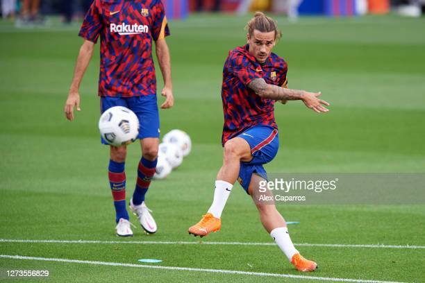 Antoine Griezmann of FC Barcelona warms up before the Joan Gamper Trophy match between FC Barcelona and Elche CF on September 19 2020 in Barcelona...