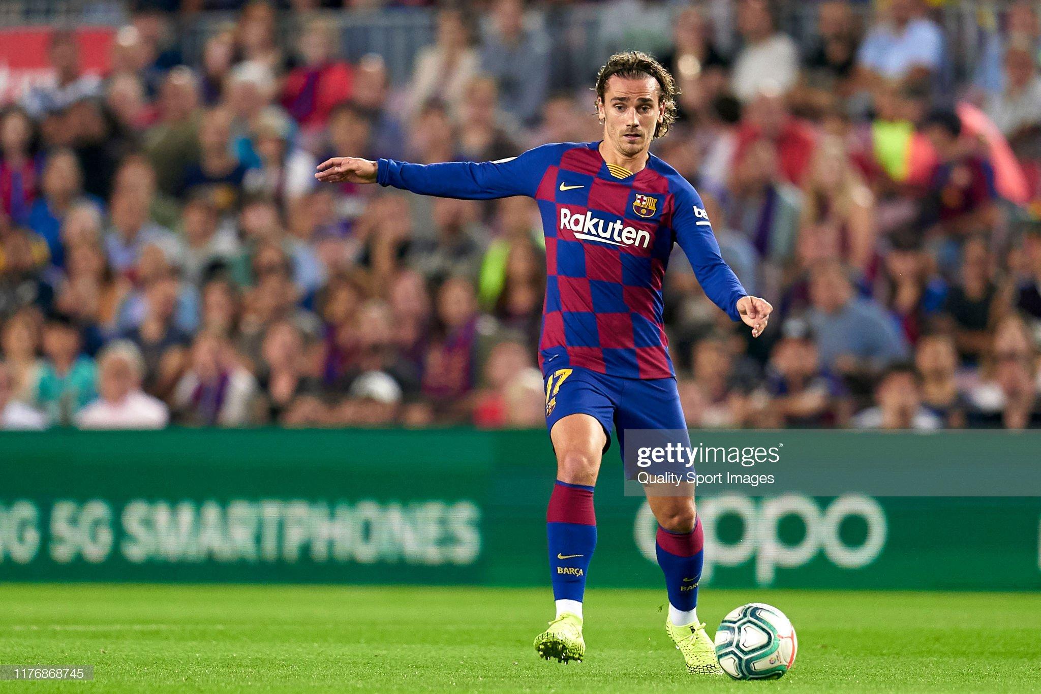 صور مباراة : برشلونة - فياريال 2-1 ( 24-09-2019 )  Antoine-griezmann-of-fc-barcelona-with-the-ball-during-the-liga-match-picture-id1176868745?s=2048x2048