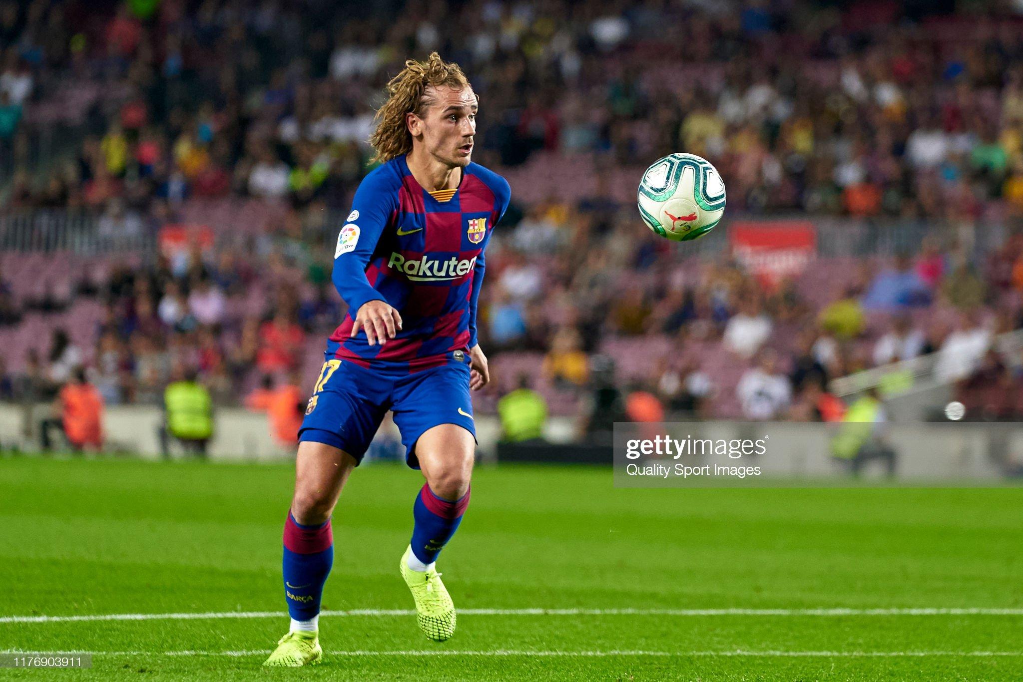 صور مباراة : برشلونة - فياريال 2-1 ( 24-09-2019 )  Antoine-griezmann-of-fc-barcelona-with-the-ball-during-the-liga-match-picture-id1176903911?s=2048x2048