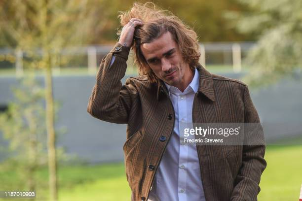 Antoine Griezmann of France arrives ahead of a training session on November 11 2019 in Clairefontaine France France will play against Moldova in...