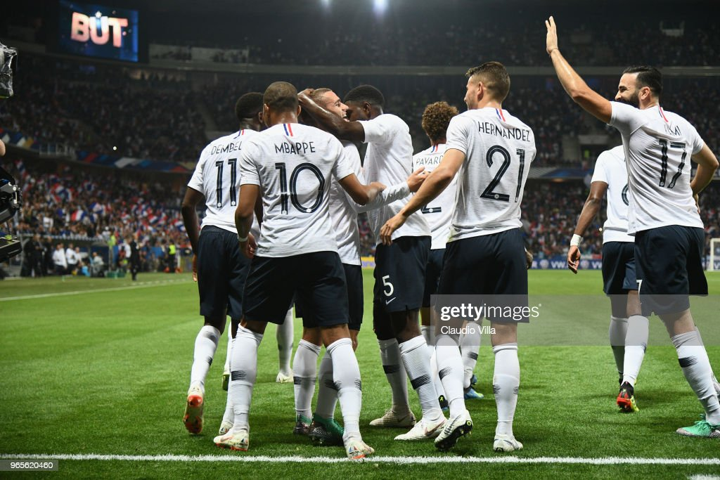 Antoine Griezmann of France #7 celebrates after scoring the second goal during the International Friendly match between France and Italy at Allianz Riviera Stadium on June 1, 2018 in Nice, France.