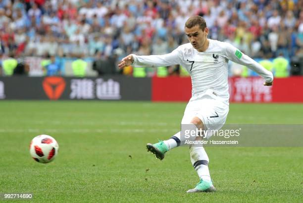 Antoine Griezmann of France scores his sides second goal during the 2018 FIFA World Cup Russia Quarter Final match between Uruguay and France at...