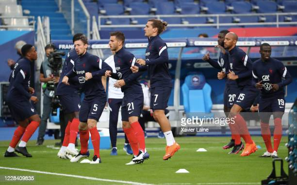 Antoine Griezmann of France warms up during the UEFA Nations League group stage match between France and Croatia at Stade de France on September 8...