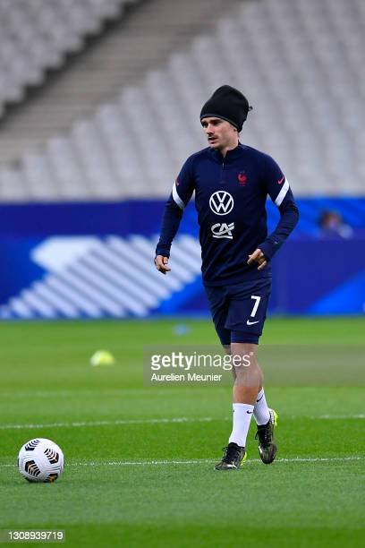 Antoine Griezmann of France warms up prior to the FIFA World Cup 2022 Qatar qualifying match between France and Ukraine on March 24, 2021 in Paris,...