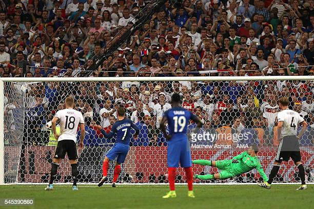 Antoine Griezmann scores a penalty to make the score 0-1 during the UEFA Euro 2016 Semi Final match between Germany and France at Stade Velodrome on...