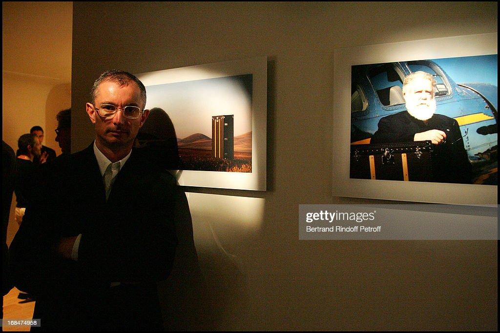 """Exhibition launch """"Icones"""" At The Louis Vuitton Space In Paris : Foto di attualità"""