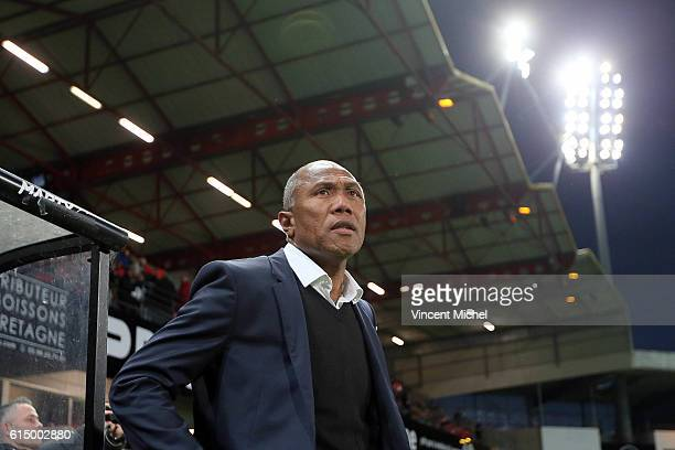 Antoine Kombouare of Guingamp during the Ligue 1 match between EA Guingamp and Lille OCS at Stade du Roudourou on October 15, 2016 in Guingamp,...