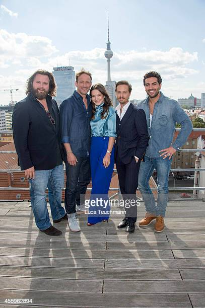 Antoine Monot Wotan Wilke Moehring Hannah Herzsprung Tom Schilling and Elyas M'Barek attend a photocall for the film 'Who am I' on September 23 2014...