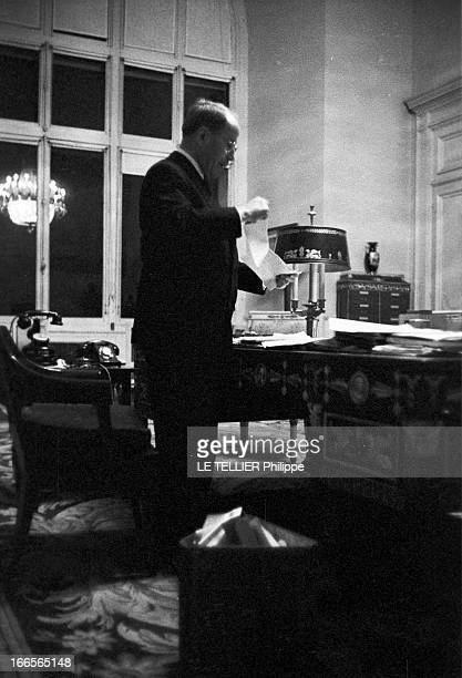 Antoine Pinay Resigned From His Post Of Minister Of Finance Paris 13 janvier 1960 Dernière journée pour Antoine PINAY en tant que ministre des...