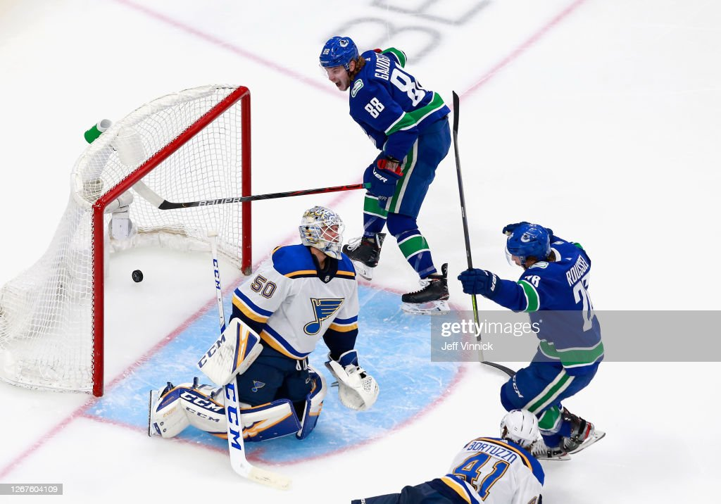 St Louis Blues v Vancouver Canucks - Game Six : News Photo