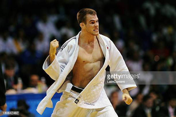 Antoine Valois of Canada celebrates during the Judo men's 81kg of the 2011 XVI Pan American Games at the Gym Code II on October 27, 2011 in...