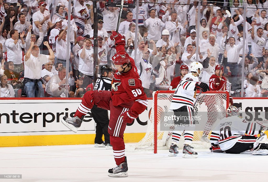Chicago Blackhawks v Phoenix Coyotes - Game One