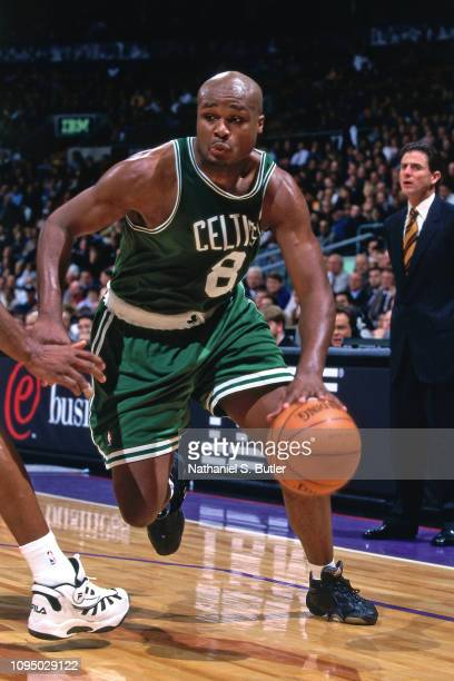 Antoine Walker handles the ball against the Toronto Raptors on November 2 1999 at the Air Canada Centre in Toronto Canada NOTE TO USER User expressly...