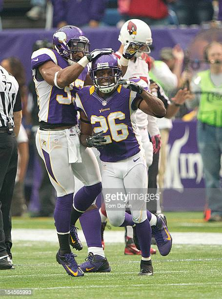 Antoine Winfield of the Minnesota Vikings celebrates during an NFL game against the Arizona Cardinals at Mall of America Field at the Hubert H...