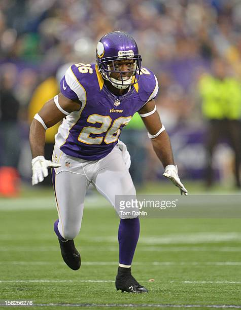 Antoine Winfield of the Minnesota Vikings follows the action during an NFL game against the Detroit Lions at Mall of America Field at the Hubert H...