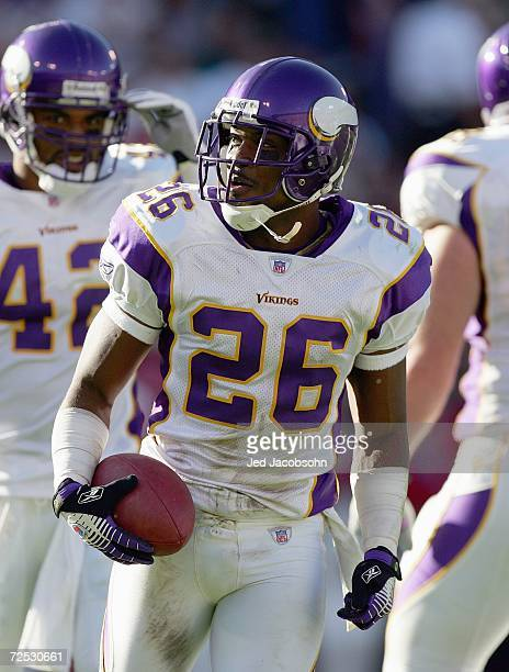 Antoine Winfield of the Minnesota Vikings jogs with the ball during the NFL game against the San Francisco 49ers at Monster Park on November 5 2006...