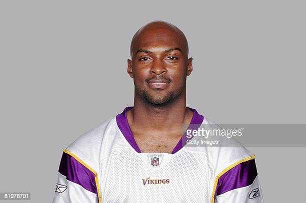 Antoine Winfield of the Minnesota Vikings poses for his 2008 NFL headshot at photo day in Minneapolis Minnesota