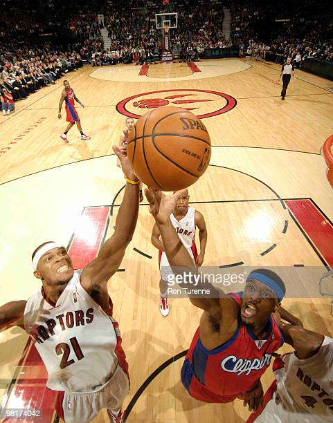 Antoine Wright of the Toronto Raptors battles for the board with Craig Smith of the Los Angeles Clippers during a game on March 31 2010 at the Air...