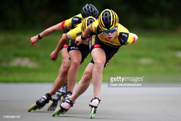 Antoinette de Jong Carlijn Achtereekte and Joy Beune in action during a training session with the Team JumboVisma at the IJs en Skeelerclub...