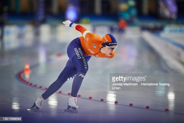 Antoinette de Jong of Netherlands competes in the Ladies 3000m during day 1 of the ISU World Speed Skating Championships at Thialf on February 11,...