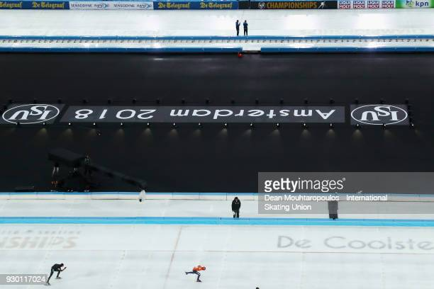 Antoinette De Jong of the Netherlands and Ayaka Kikuchi of Japan competes in the 1500m Ladies during the World Allround Speed Skating Championships...