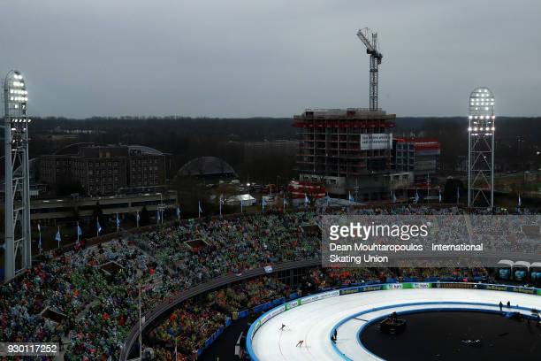 Antoinette De Jong of the Netherlands and Ayaka Kikuchi of Japan compete in the 1500m Ladies race during the World Allround Speed Skating...