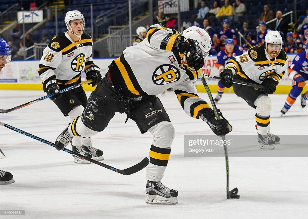 Providence Bruins vs Bridgeport Sound Tigers : News Photo