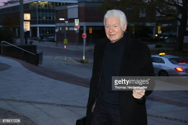 Anton Schlecker founder of the now bankrupt German drugstore chain Schlecker arrives for the day defense and prosecution lawyers are to enter their...