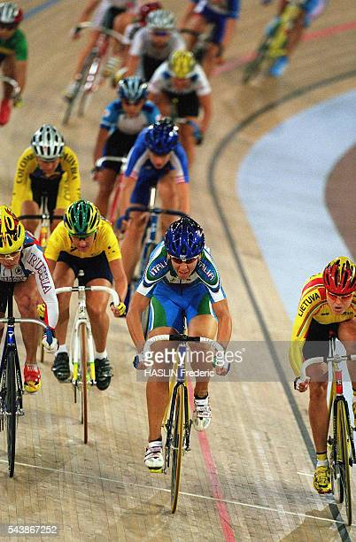 Antonella Bellutti from Italy during the women's points race final of the 2000 Olympics Bellutti won Gold