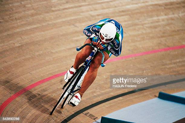 Antonella Bellutti from Italy during the women's track individual pursuit at the 2000 Olympics