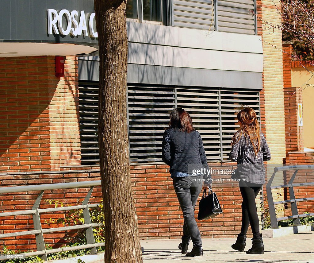 Antonella Rocuzzo and Family Sighting In Barcelona - March 05, 2015