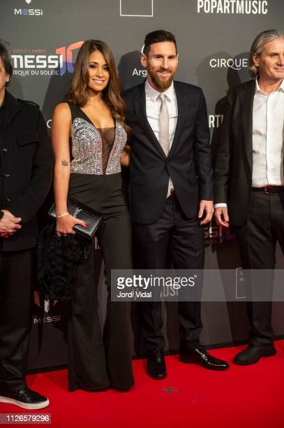 Antonella Roccuzzo and Leo Messi attend the Cirque Du Soleil inspired by Leo Messi premiere at Camp Nou FC Barcelona football stadium on January 31,...