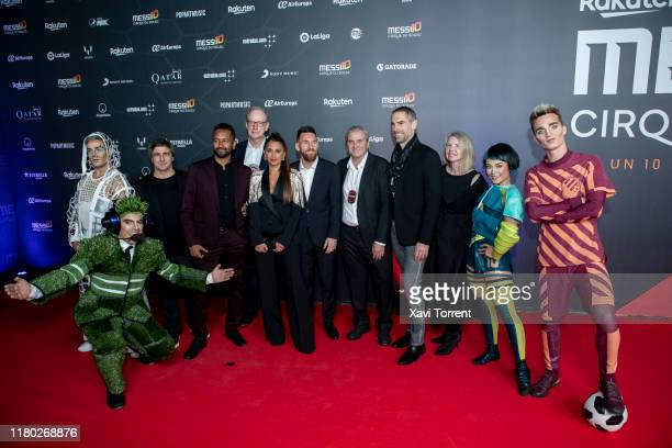 Antonella Rocuzzo Lionel Messi and the team of Cirque du Soleil attend the photocall of 'Messi 10' on October 10 2019 in Barcelona Spain