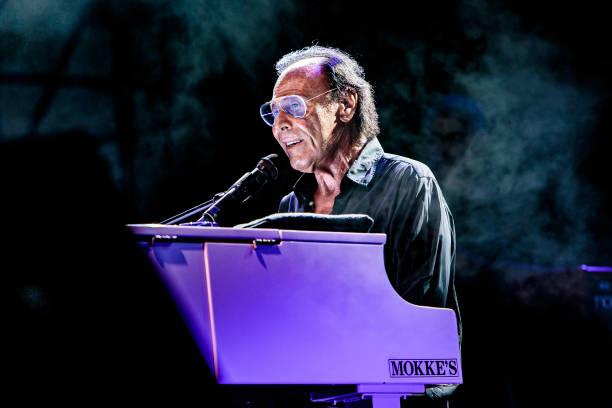 ITA: Antonello Venditti Performs In Milan