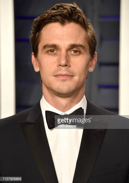 Antoni Porowski attends the 2019 Vanity Fair Oscar Party hosted by Radhika Jones at Wallis Annenberg Center for the Performing Arts on February 24...