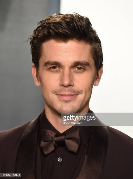 Antoni Porowski attends the 2020 Vanity Fair Oscar Party hosted by Radhika Jones at Wallis Annenberg Center for the Performing Arts on February 09...
