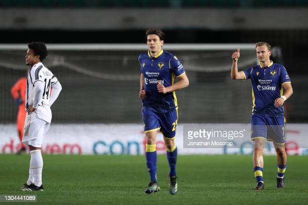 Antonin Barak of Hellas Verona gives thimbs up towards colleagues after scoring to level the game at 1-1 during the Serie A match between Hellas...